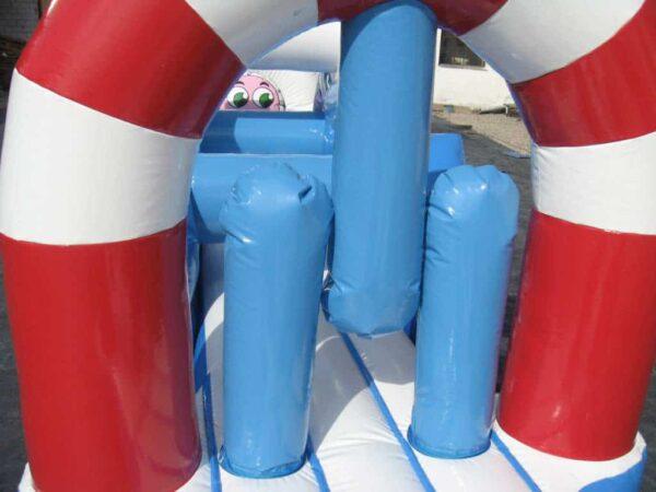 structure gonflable ventilée, parcours aquatique polaire avec obstacles et toboggan. Fabrication européenne - Lukylud.