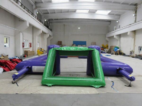 Structure gonflable mini terrain de football ouvert 12 x 6 m personnalisable. Fabrication européenne - Lukylud.