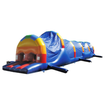 la parcours gonflable arc en ciel en 1 partie mesure 15 ma de long et propose de très nombreux obstacles de jeu.