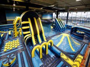 Lukylud propose un large choix de structure gonflable professionnel pour les parcs de loisirs.