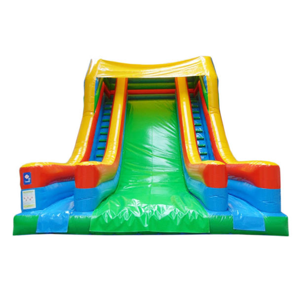 Toboggan gonflable géant XL avec un grande face de glisse et 2 couloir pour grimper.