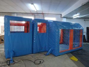 Tente gonflable de décontamination avec plusieurs sas gonflables