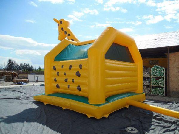 Château gonflable girafe pas cher et décoré