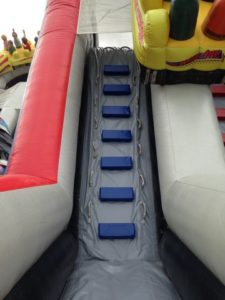 SAV structure gonflable avec la réparation des bâches PVC