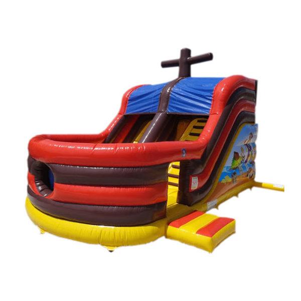 Le combo bateau toboggan gonflable avec obstacles de jeux.
