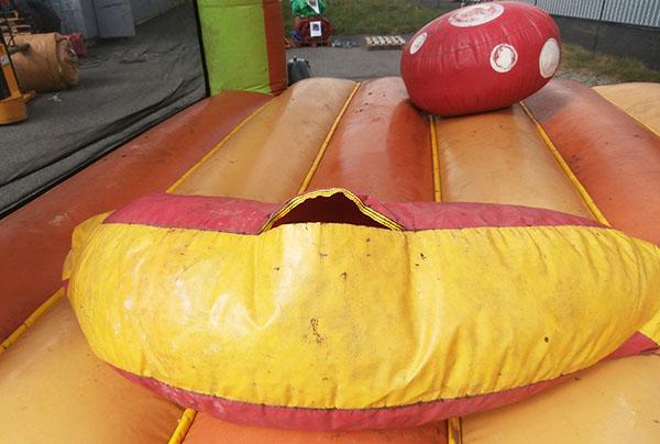 Réparation matelas gonflable avec obstacle déchiré