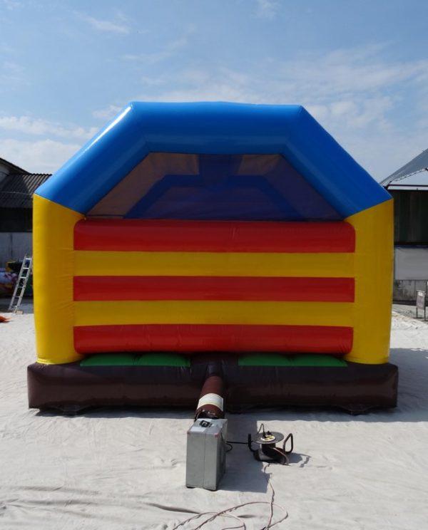 Structure gonflable combo tigre avec un mur arrière gonflable.