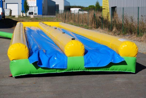 Ventriglisse gonflable double piste avec bâche de glisse en bleu