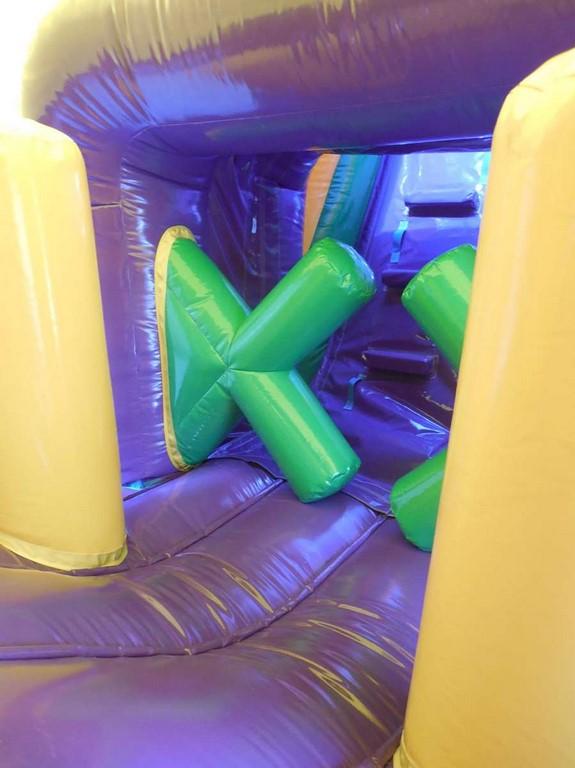 Parcours gonflable energy avec jeux gonflables