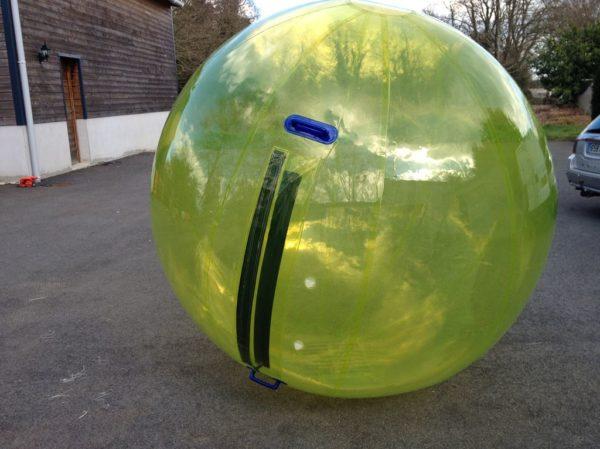 Water ball 2m coloree, bulle gonflable aquatique géante.