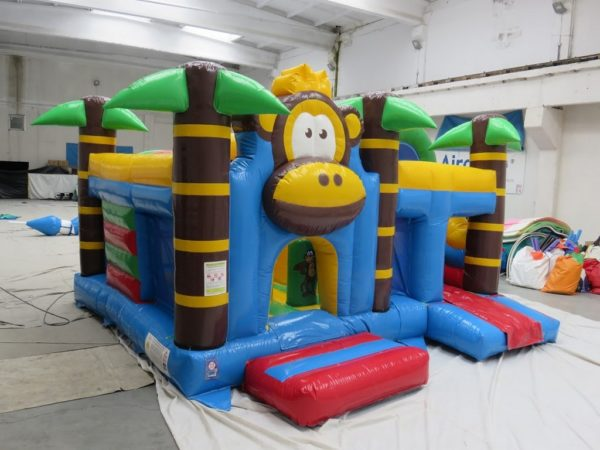 Destockage complexe gonflable singes