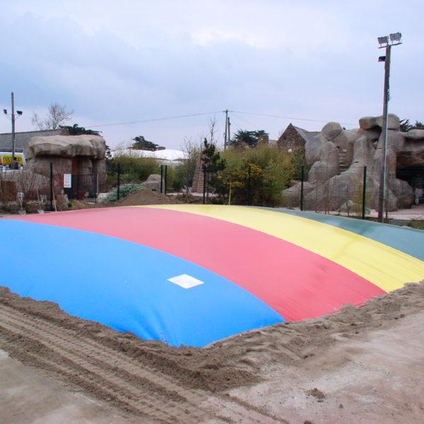 Trampoline d'air 10mx10m une aire de jeu géante.