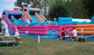 Jeux gonflables professionnels pour parcs de loisirs.