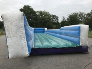 Modification toboggan gonflable aquatique à piste.
